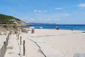 Es Cavallet playa nudista en Ibiza