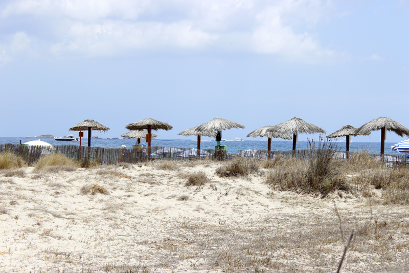 En la parte final de Playa d'en Bossa, se conservan algunas dunas.