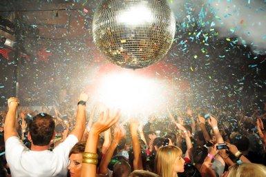 las mejores fiestas de Ibiza Fuck me im famous pacha