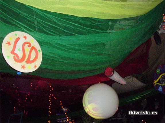 Decoración Pachá Flower Power y fiesta ibicenca