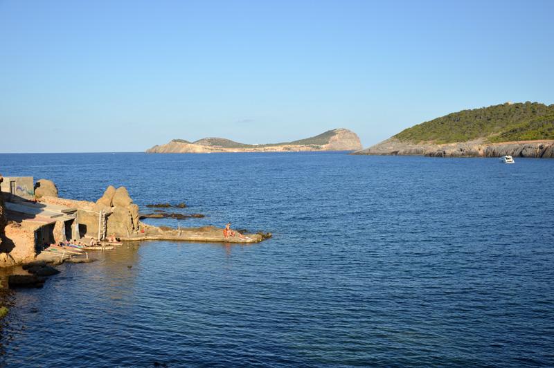 Frente a Pou des Lleó se disfrutan unas estupendas vistas de Tagomago