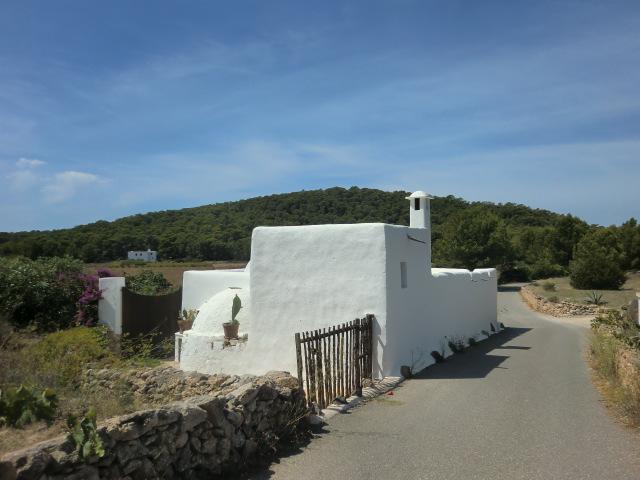 Casas de ibiza ibizaisla es - Cuanto cuesta el material para construir una casa ...