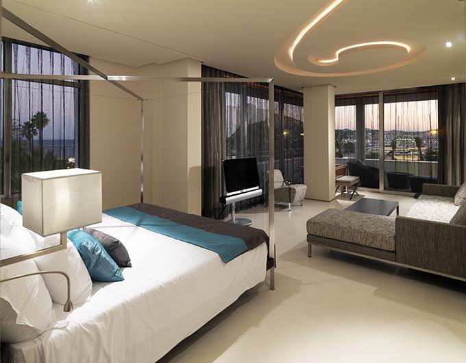 habitacion hotel aguas de ibiza