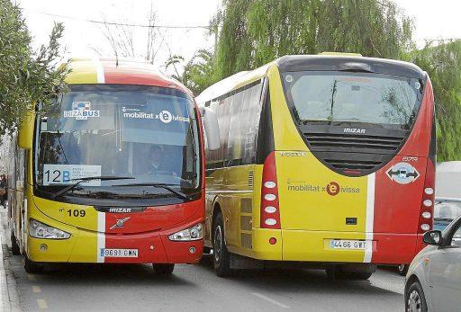 Los autobuses unen los principales puntos de interés de Ibiza