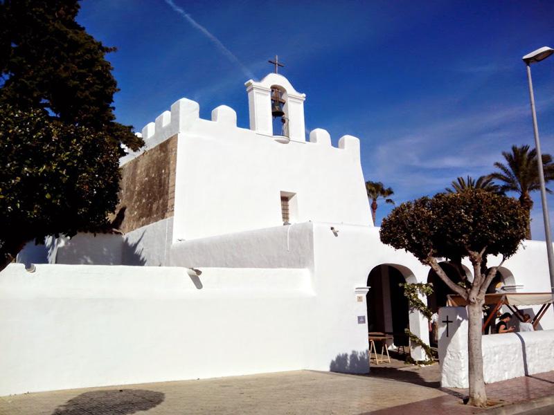 Aspecto de la fachada principal de la iglesia de Sant Jordi