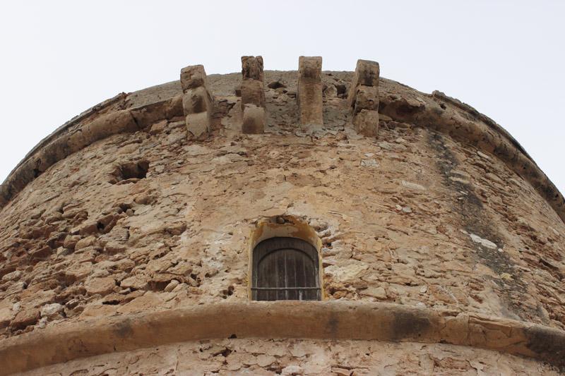 Detalle de la parte superior de la Torre de Comte