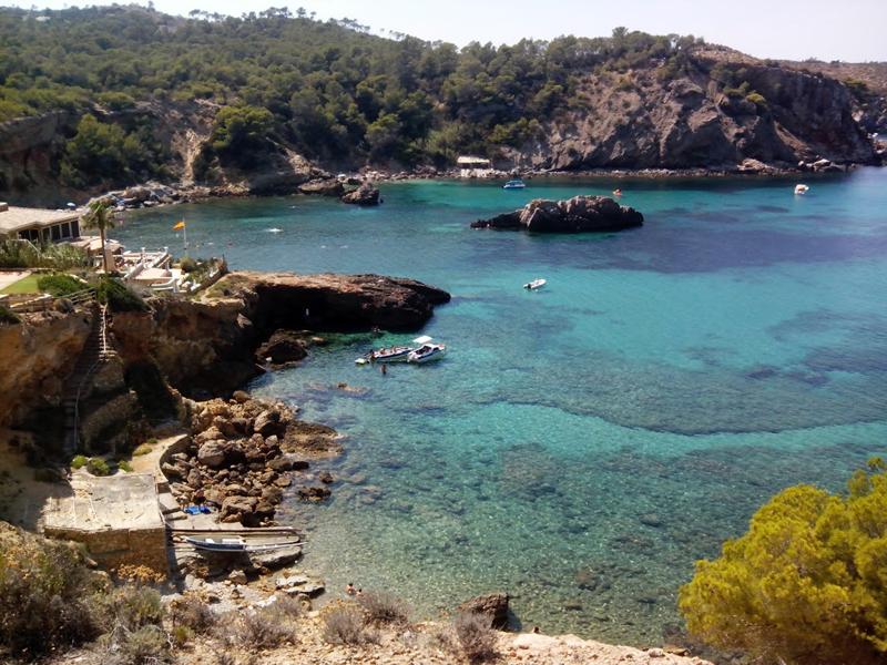 Panorámica de la bahía en la que se encuentra Cala Xarraca