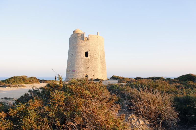 La torre de Ses Portes es la torre que establecía el lazo de comunicación entre Ibiza y Formentera.