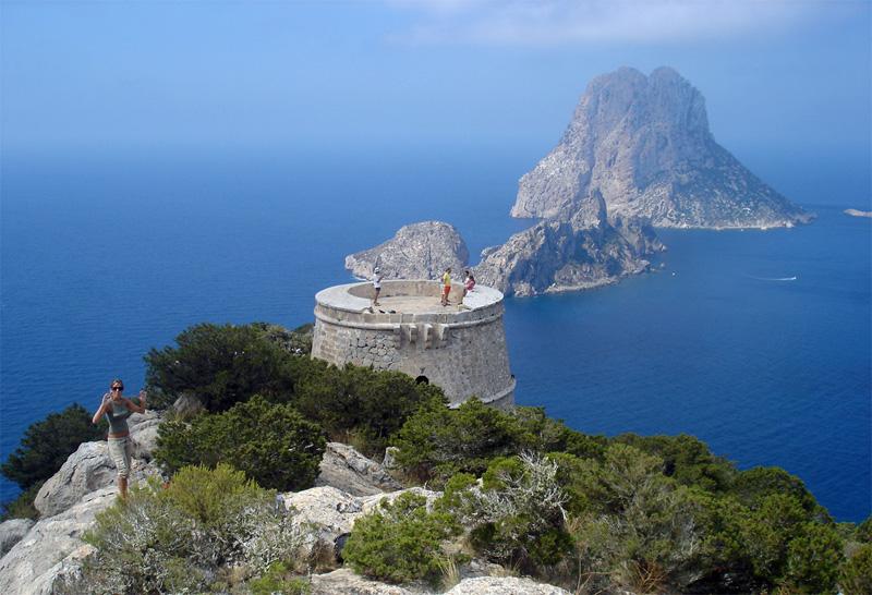La Torre des Savinar, mal conocida como 'Torre del Pirata', disfruta de vistas privilegiadas.