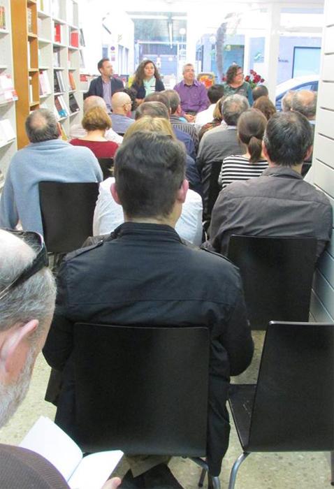 Imagen de una de las presentaciones que se realizan habitualmente en la librería