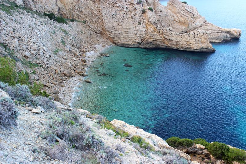 El Caló Gros de Punta Grossa disfruta de aguas transparentes