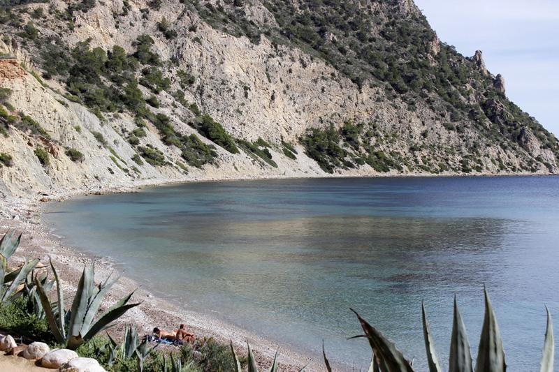Los còdols, piedras redondeadas, se encuentran en toda la orilla de Sol d'en Serra