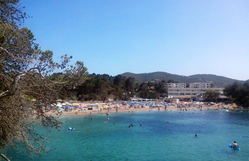 Panorámica de la playa de Port d'Es Torrent.