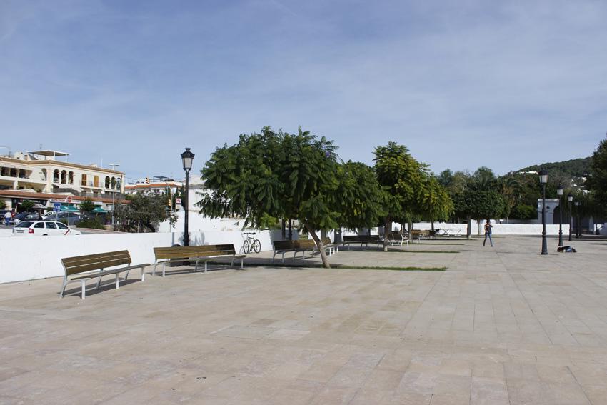 La plaza de es uno de los principales puntos de encuentro de la población