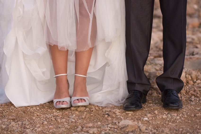 Detalle de los zapatos del día de nuestra boda