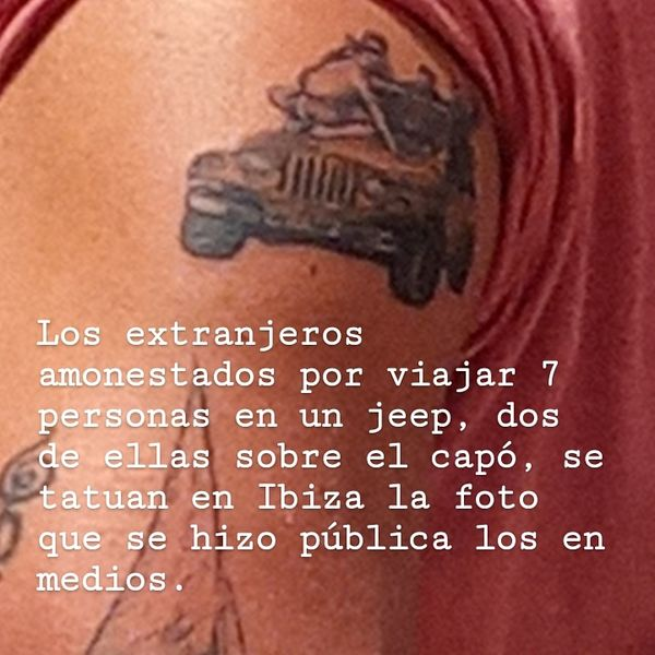 Uno de los tatuajes mostrando el Jeep